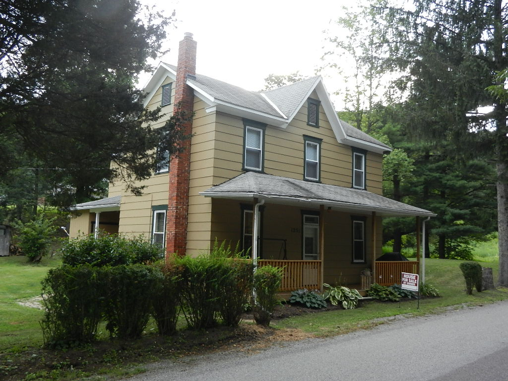 1251 Fairhope Road, Fairhope, Pennsylvania 15538