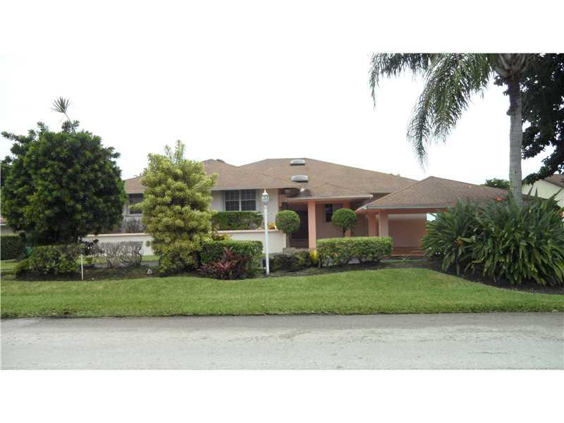 9301 W CALUSA CLUB DR, Miami, Florida 33186