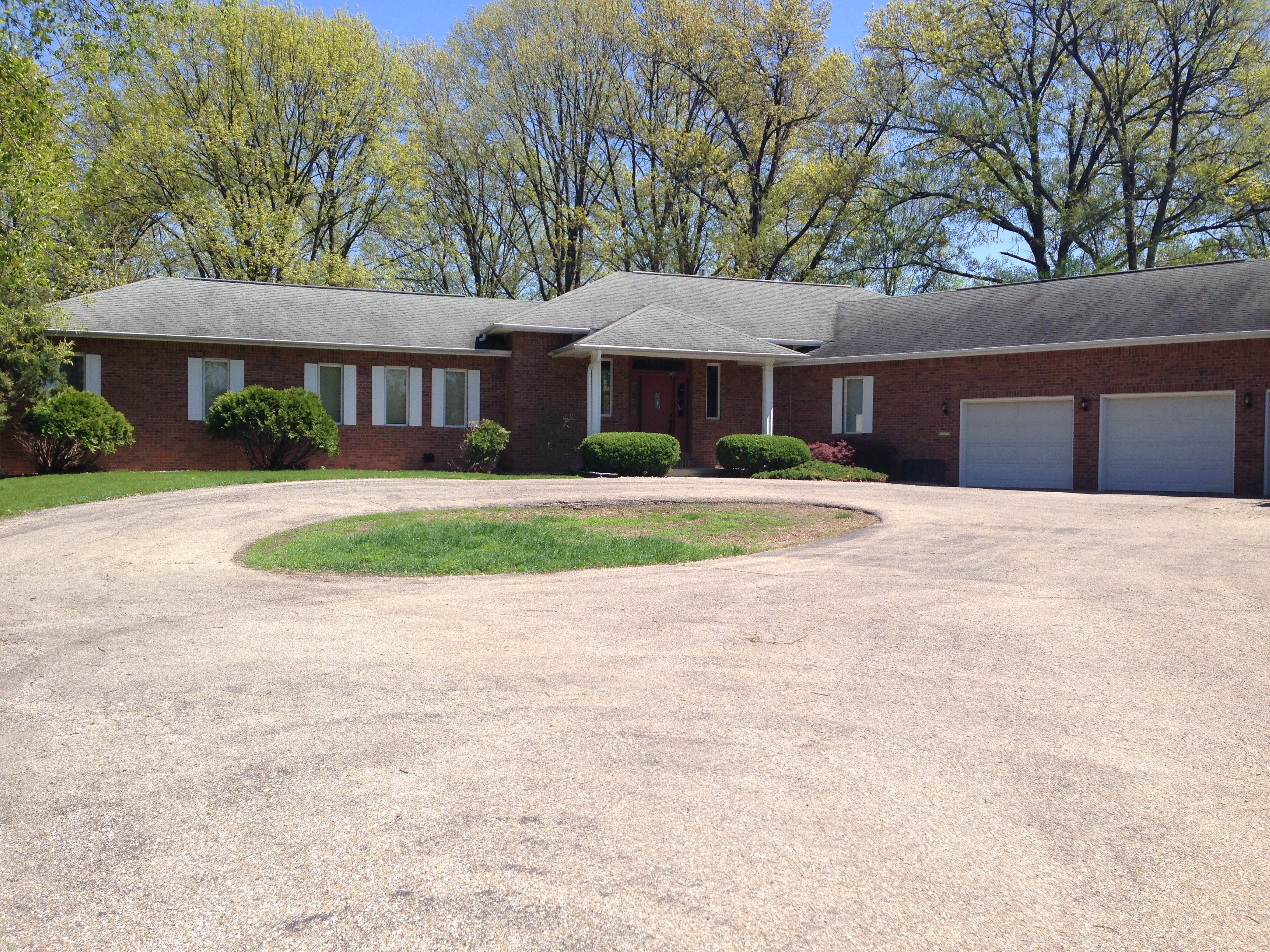 405 S. Pearl, Macomb, Illinois 61455
