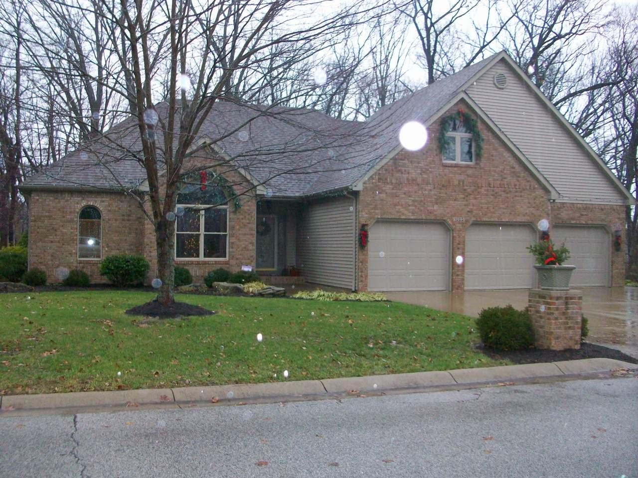 1085 Krislynn Woods, West Terre Haute, IN 47885