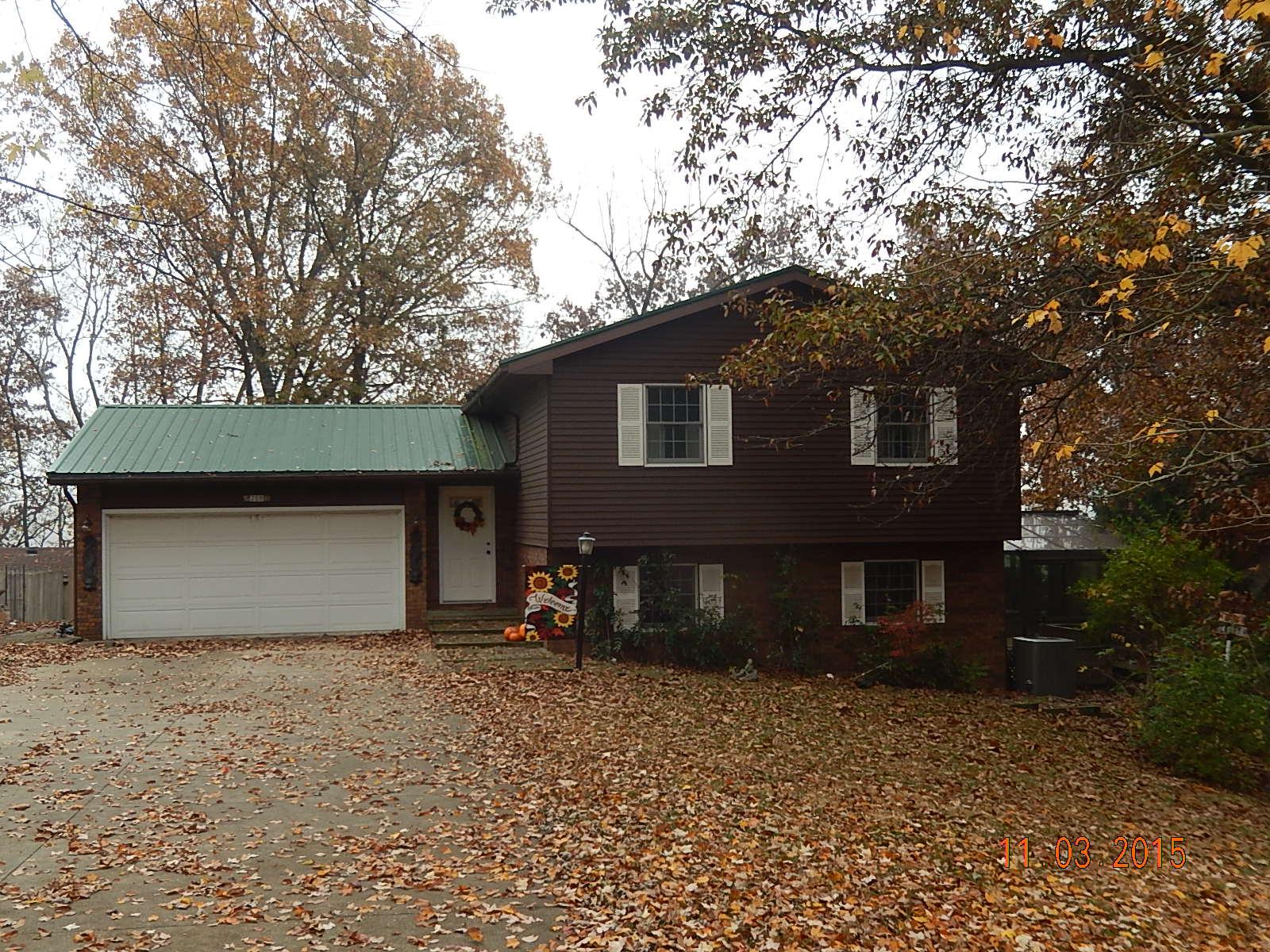 209 Lands End Road, Hillsboro, Illinois 62049