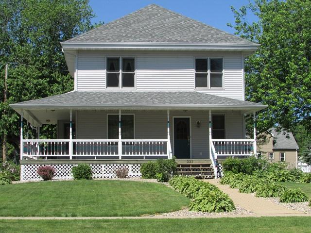 221 S Main St, Loyal, Wisconsin 54446