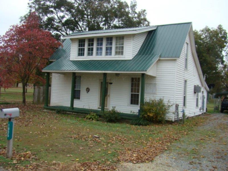 1935 Buster Collins, Kenton, Tennessee 38233
