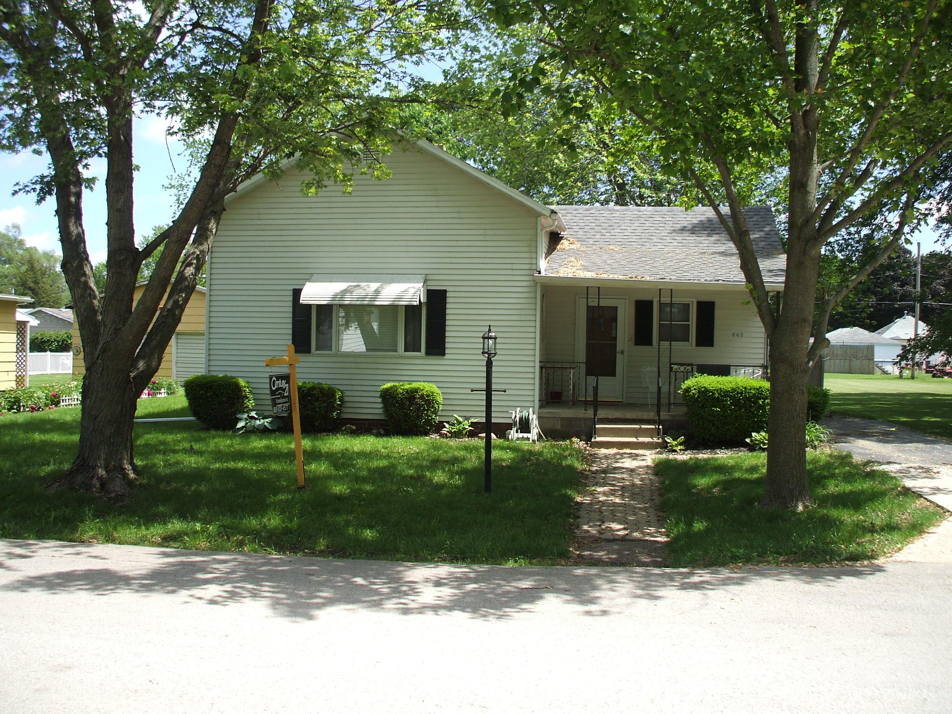 642 Miller St., Bushnell, IL 61422