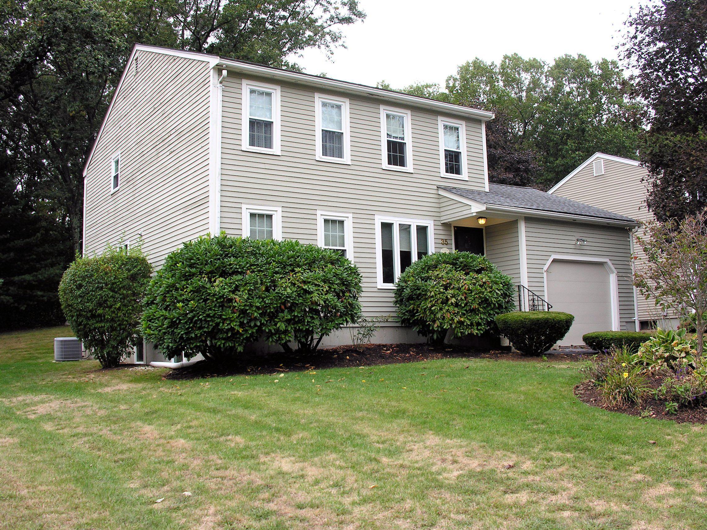35 Perry Henderson Dr, Framingham, Massachusetts 01701
