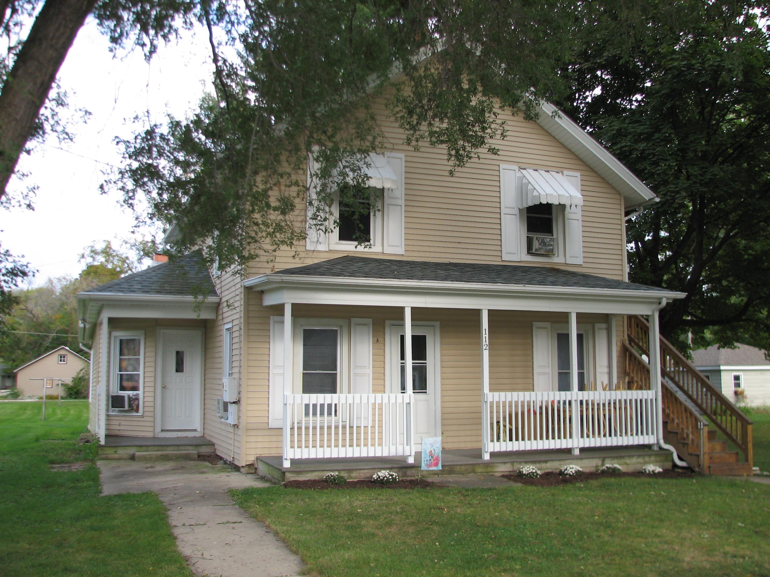 112 N. Elm St., Gardner, Illinois 60424