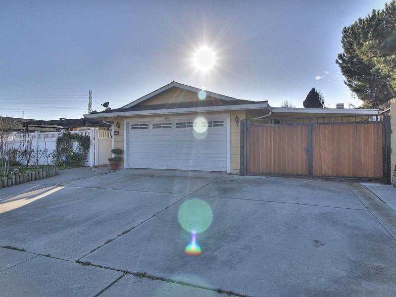 703 Adobe Drive, Salinas, California 93907