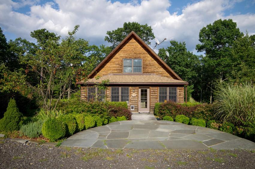 195 Shale Ridge Road, Milford, Pennsylvania 18337