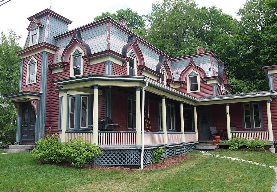 8 Lawrence St, Ashburnham, Massachusetts 01430