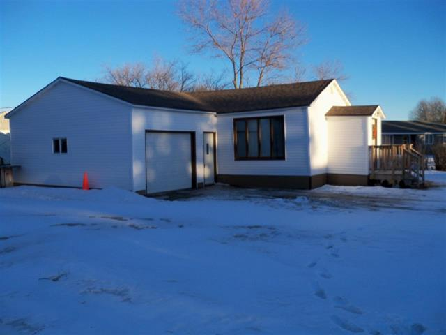 102 NE 5th St, Bowbells, North Dakota 58721