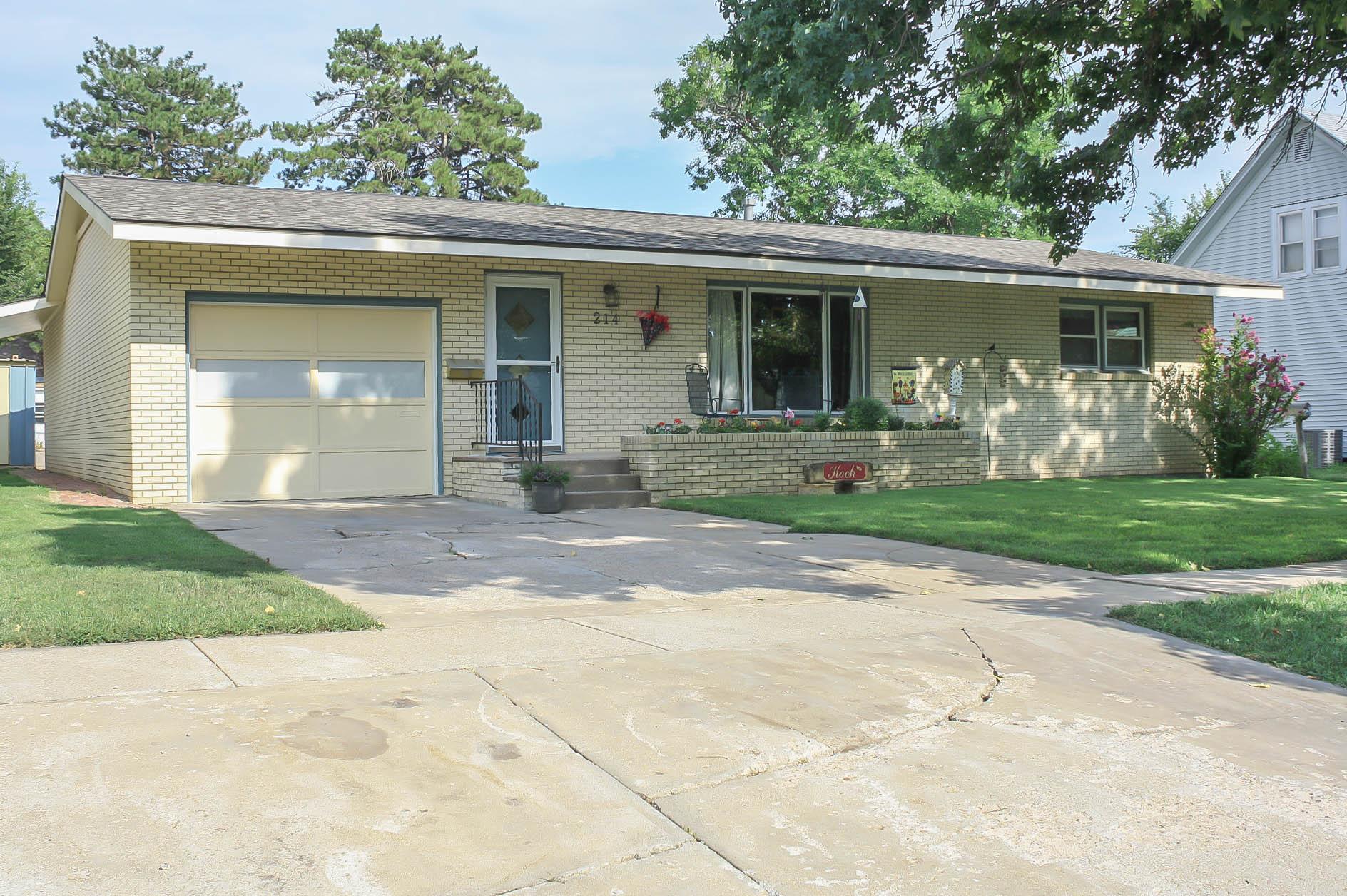 214 N Jackson St., Pratt, Kansas 67124