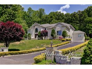 7 Kaiser Ct, Morganville, New Jersey 07751