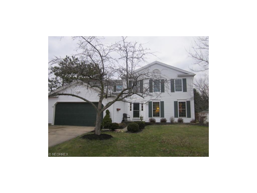 9355 Huntington Park Dr, Strongsville, Ohio 44136