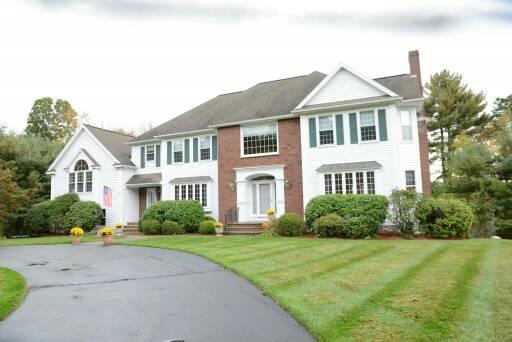 25 Hidden Court, North Andover, Massachusetts 01845