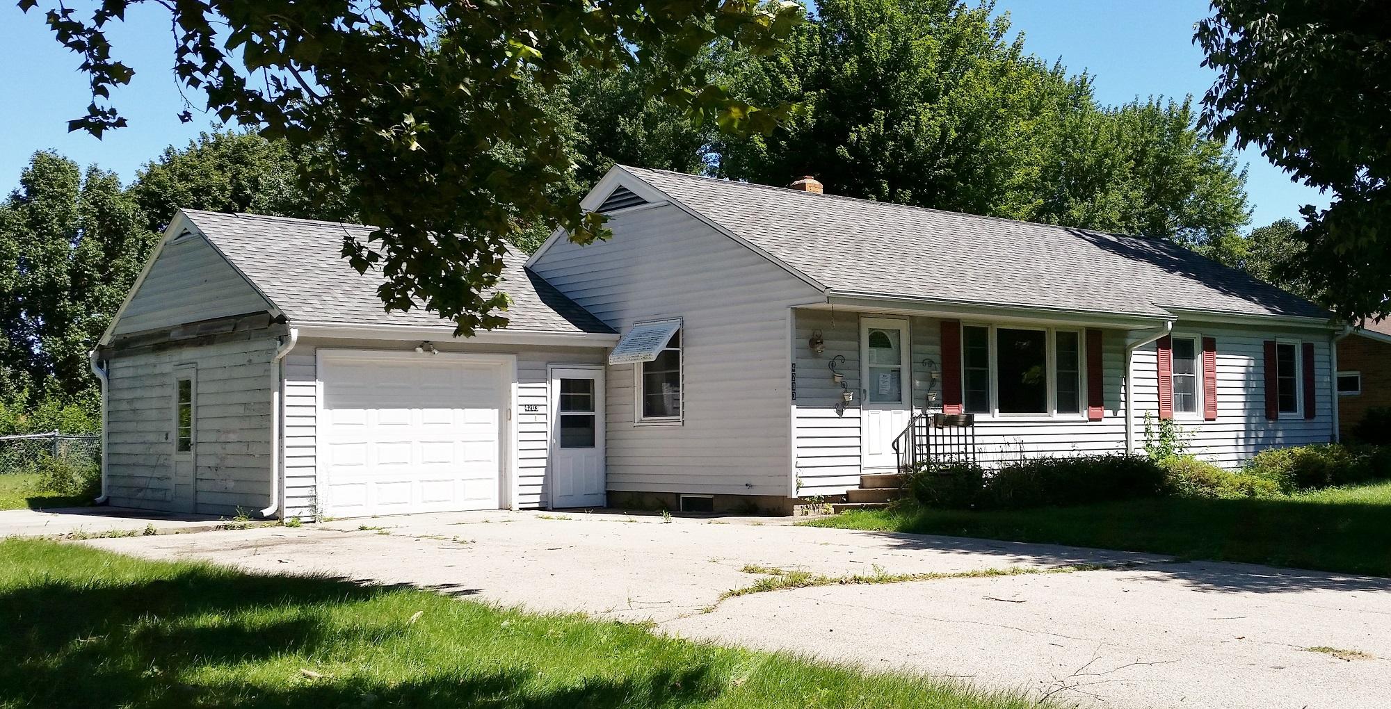4203 H St, Amana, Iowa 52203