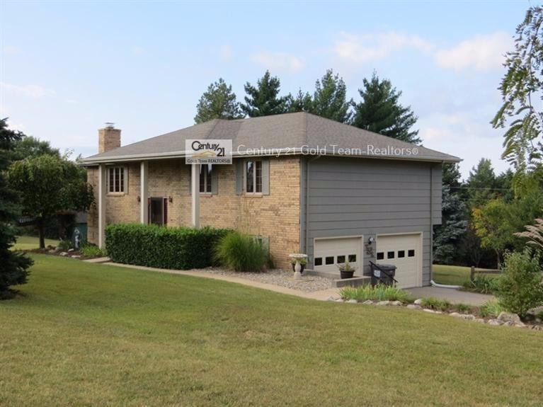 7318 Rockwood Drive, Milford, Kansas 66514