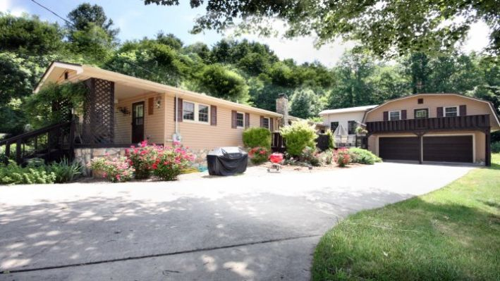 2400 Spivey Mountain , Erwin, Tennessee 37650