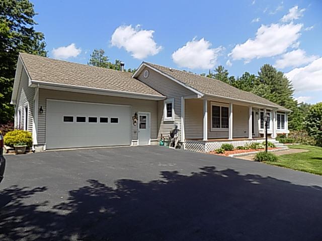 798 Hilltop Road, Littleton, New Hampshire 03561