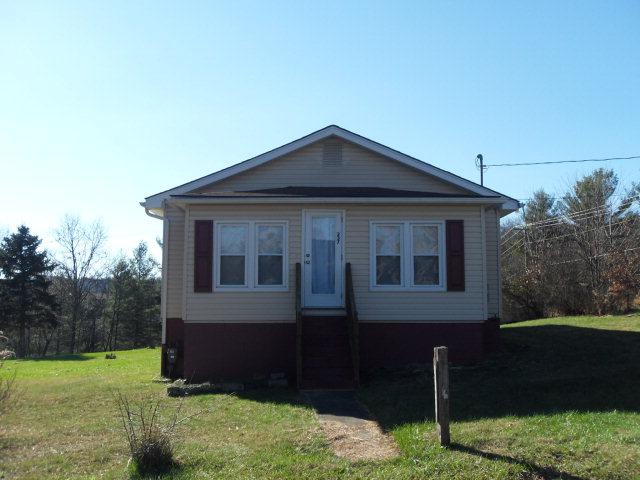 237 Willis AVenue, Crab Orchard, West Virginia 25827