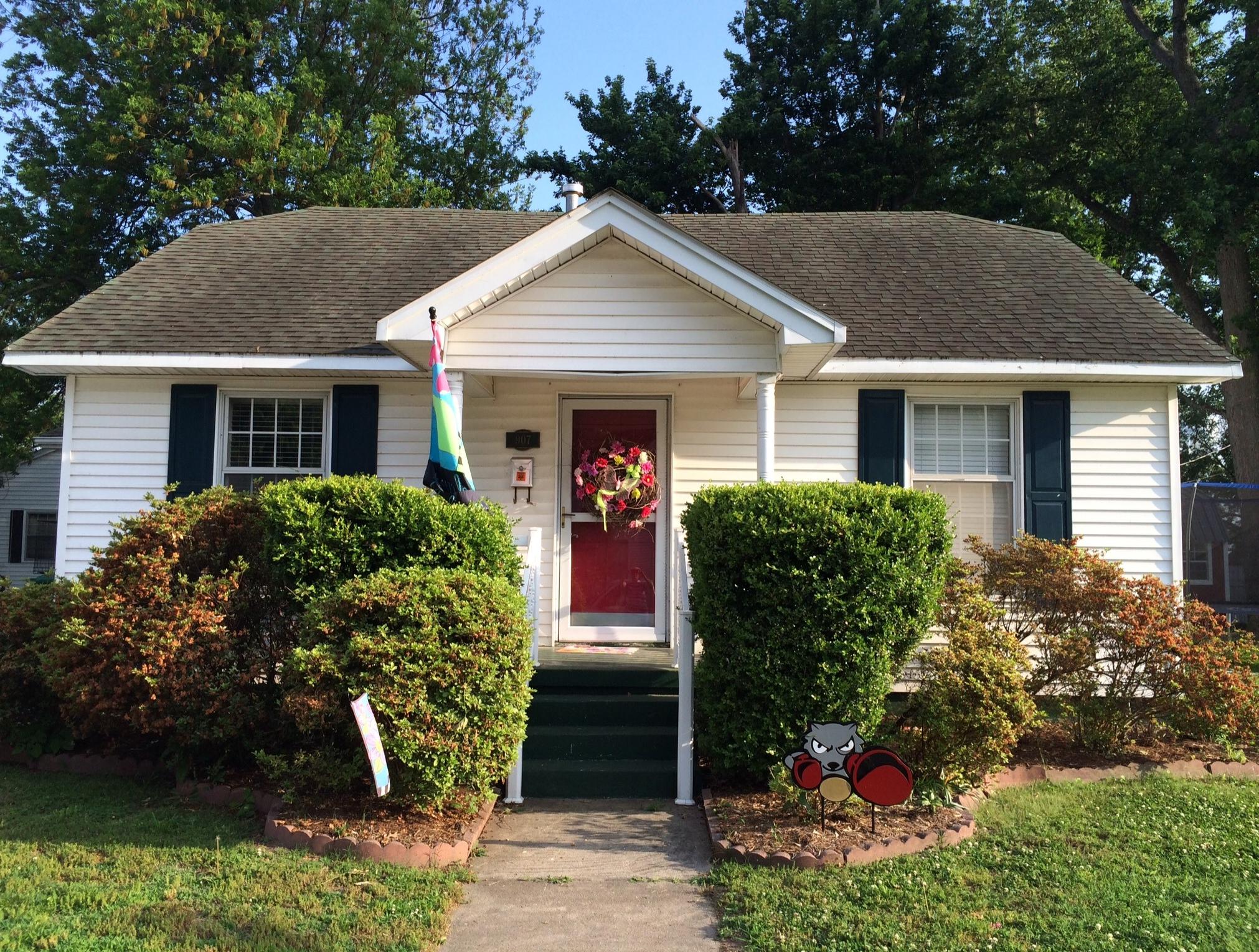 907 E Cypress, Charleston, Missouri 63834