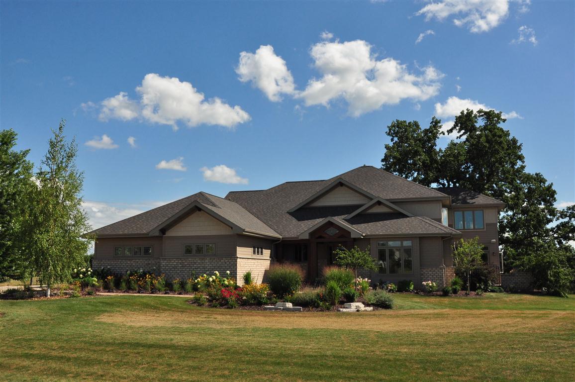 3077 Saffron Ln, Neenah, Wisconsin 54956