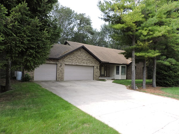 1290 Franklin Drive, Cleveland, Wisconsin 53015