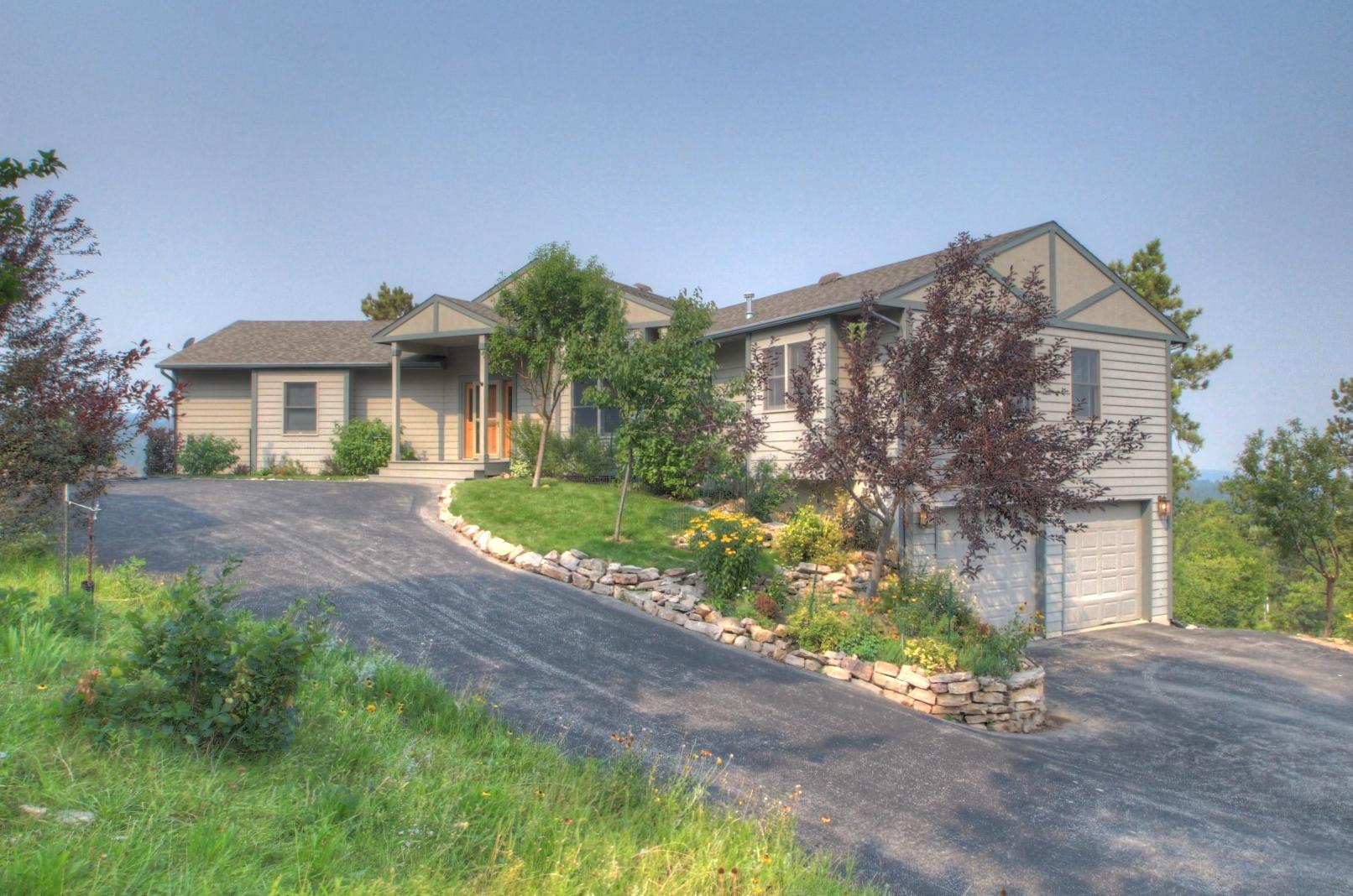 293 Oak Ridge Road, Spearfish, South Dakota 57783