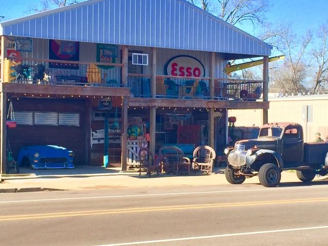 303 N Polk St, Jefferson, Texas 75657