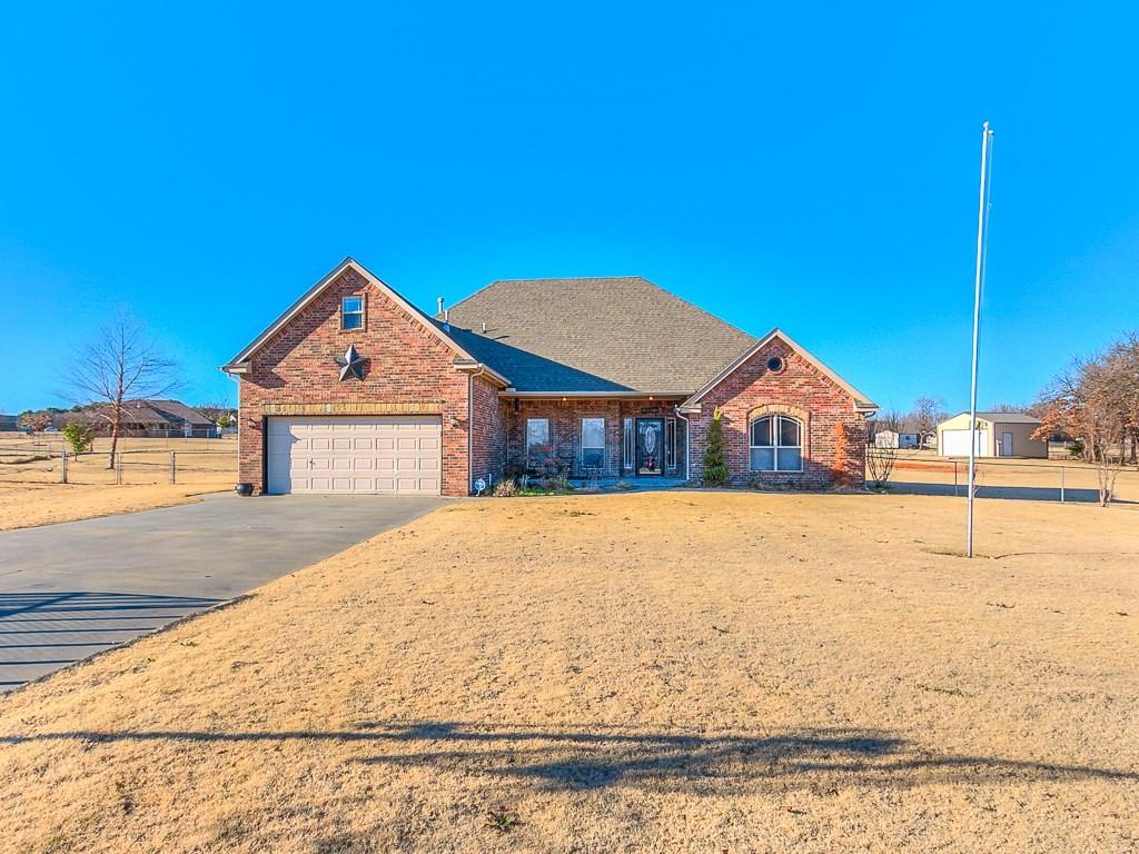 4007 Driftwood Circle, Harrah, Oklahoma 73045