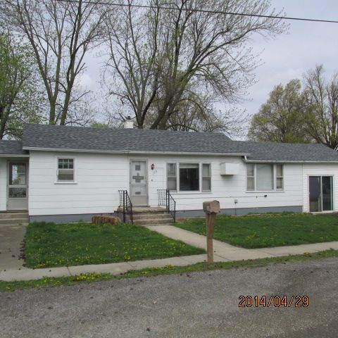 109 North School St., Raymond, Illinois 62560