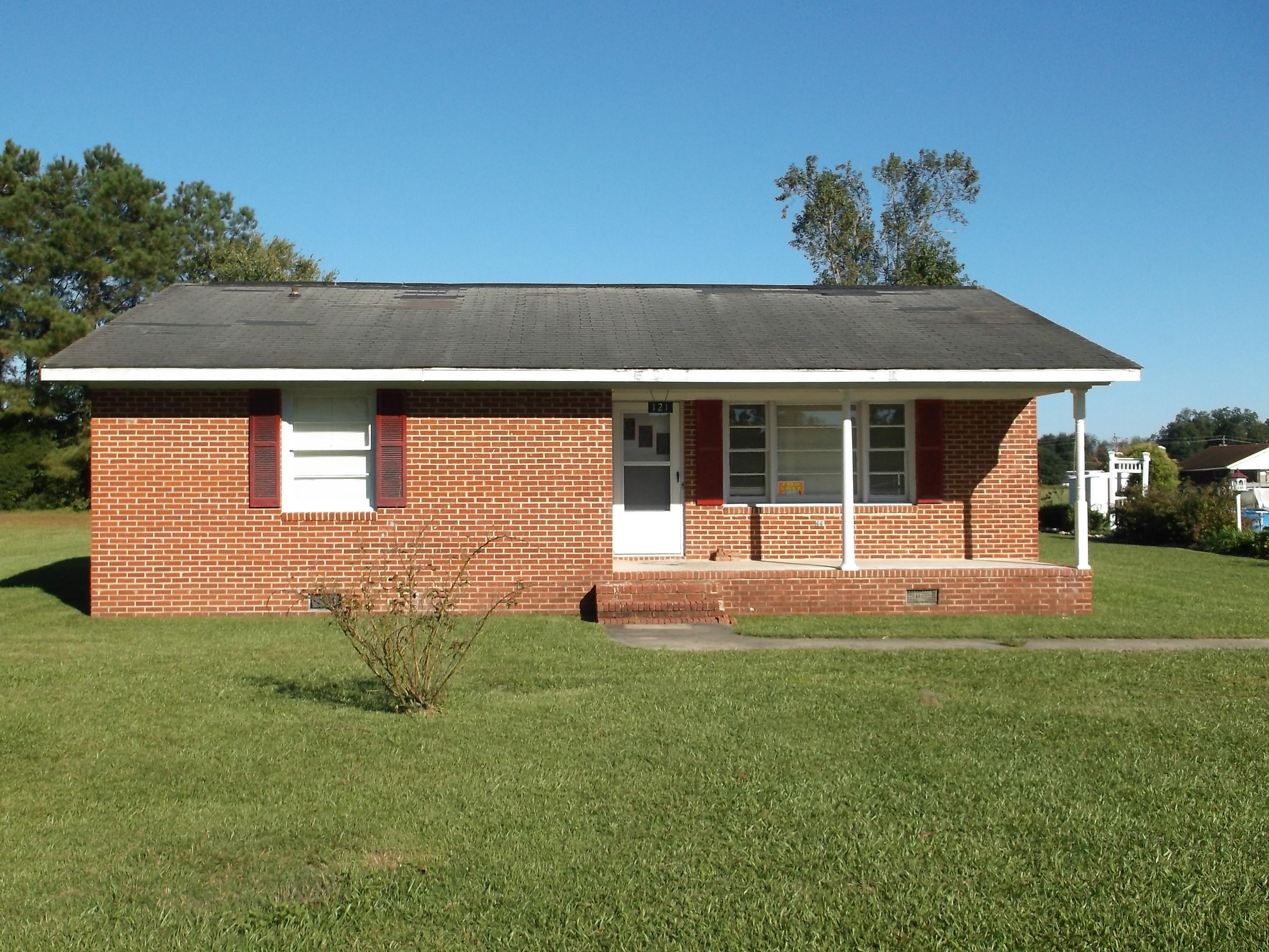 121 Kinlaw Dr., Chadbourn, North Carolina 28431