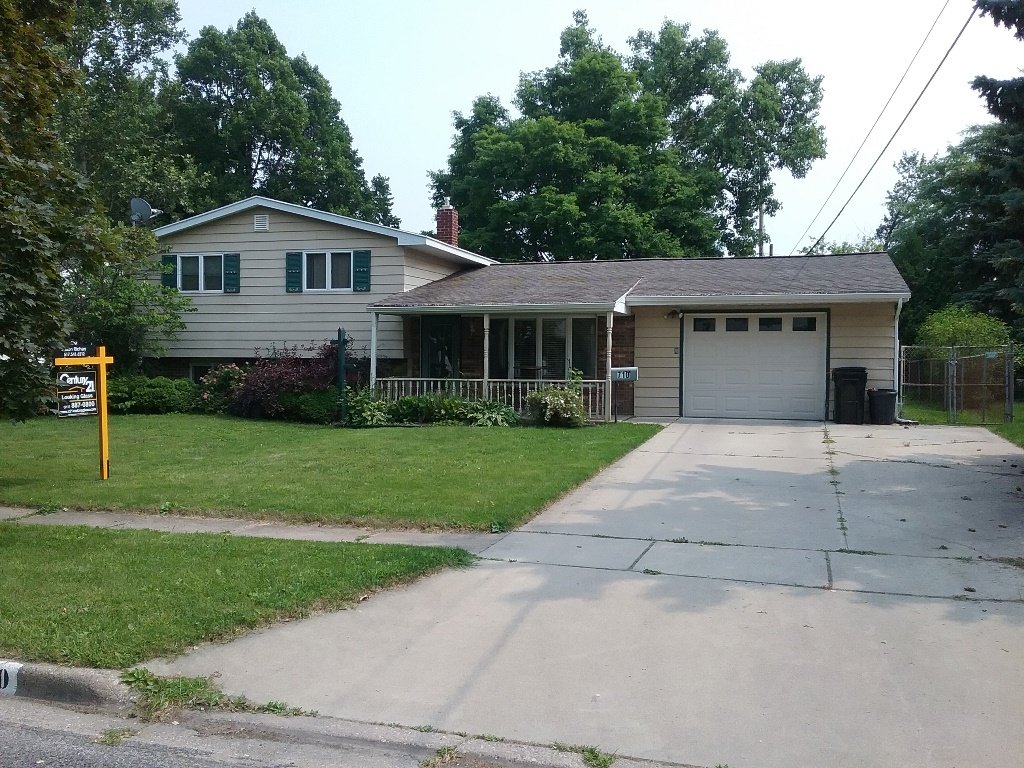 710 Moore St, Owosso, Michigan 48867