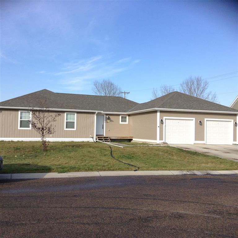 812 3rd St SE, Stanley, North Dakota 58784