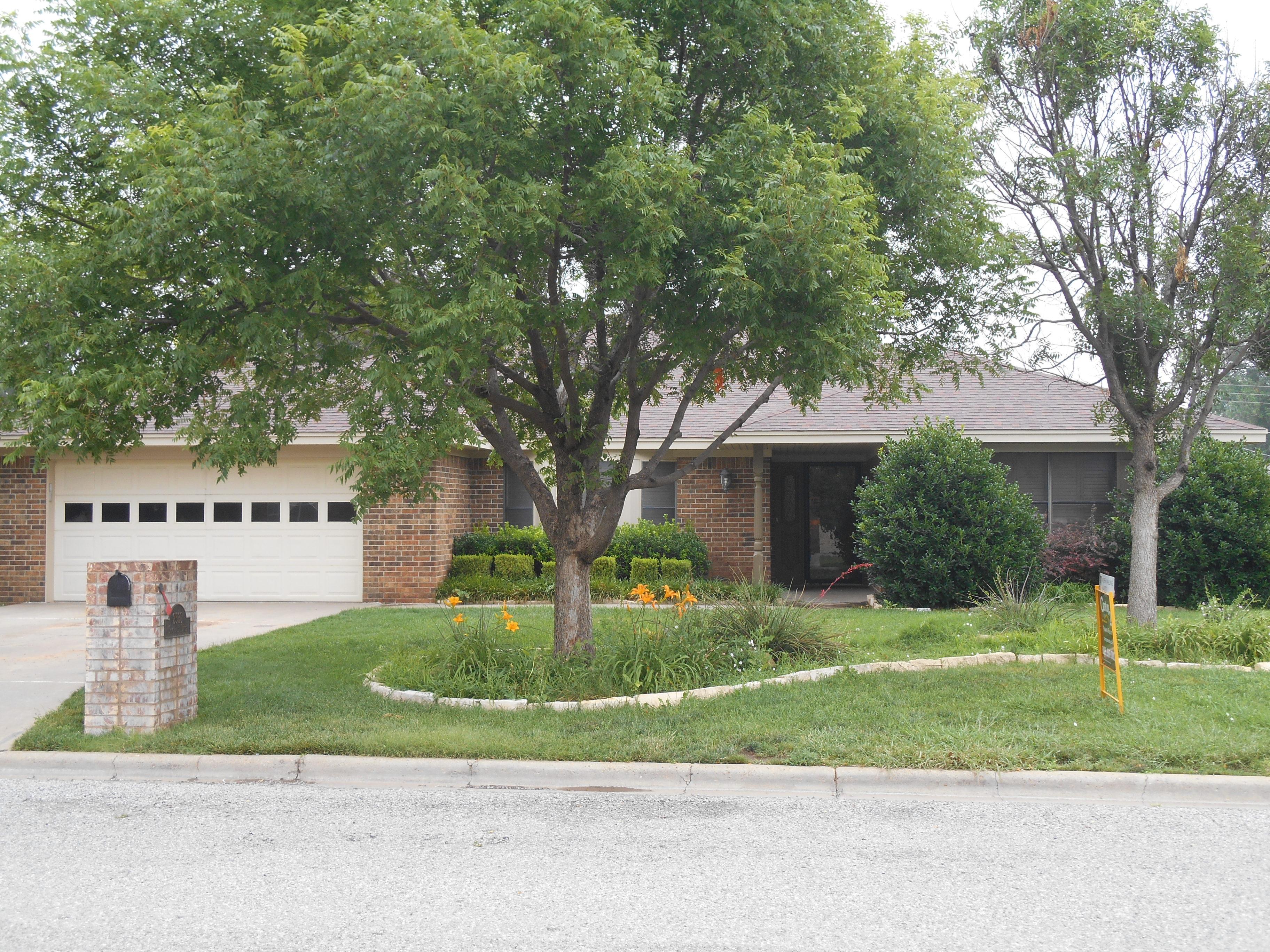 2532 Dogwood Ln, Pampa, Texas 79065