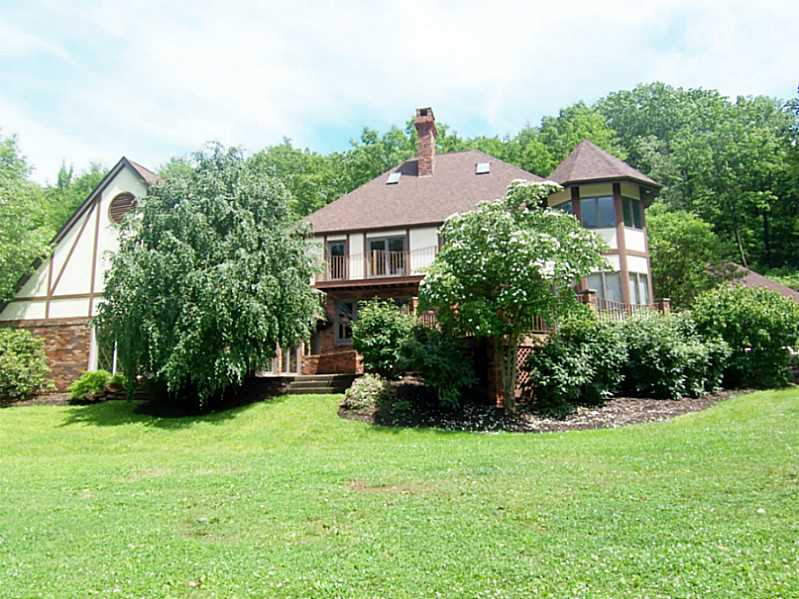 135 Spring Hollow Rd, Allegheny Twp, Pennsylvania 15613
