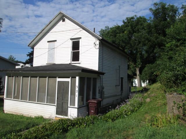 Pleasant Dr., Marquette, Iowa 52158