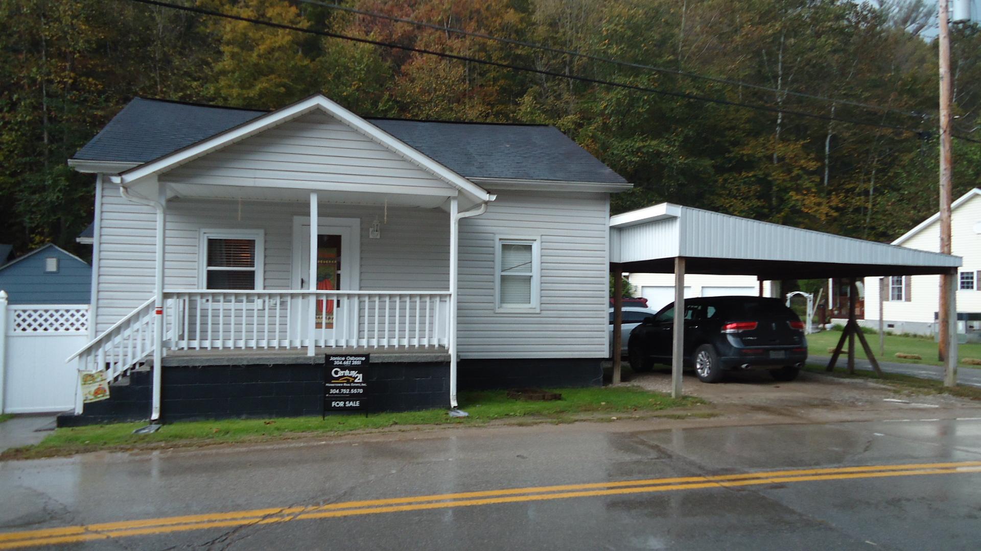 419 2nd Davis Camp, Holden, West Virginia 25625