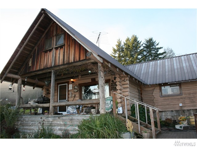 31 N Terrace Lp, Hoodsport, Washington 98548