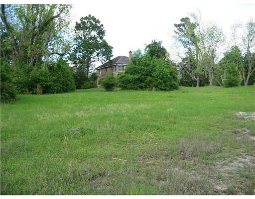 15391 Chazel, Kiln, Mississippi 39556