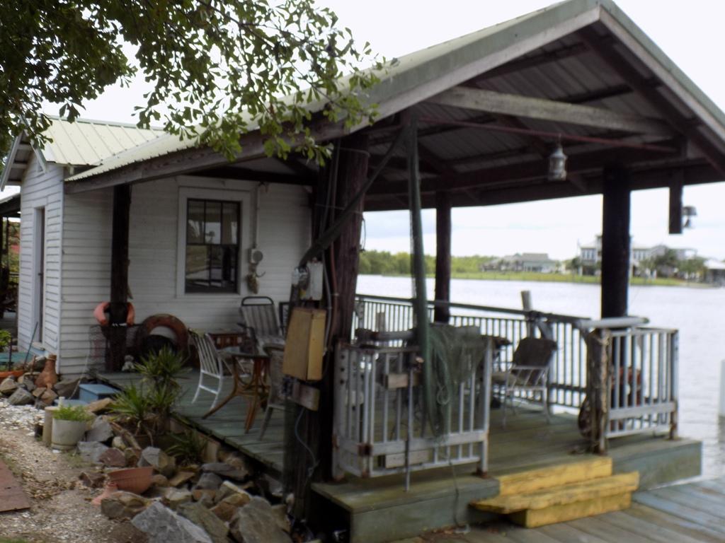 4530 Jean Lafitte Blvd., Lafitte, Louisiana 70067