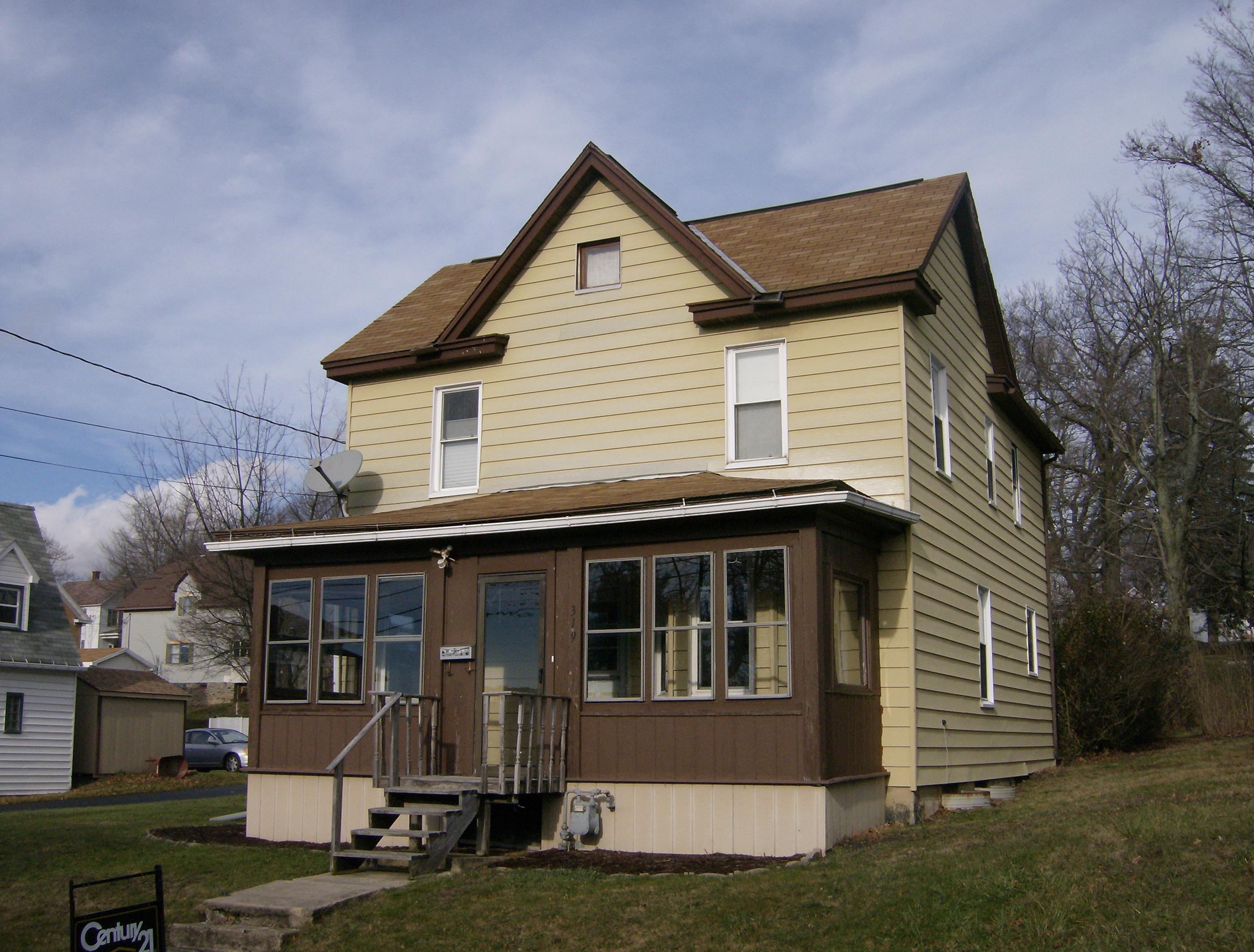 319 Powell Ave, Cresson, Pennsylvania 16630