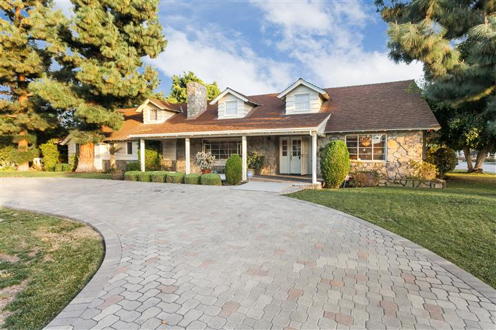 9850 Hasty Avenue, Downey, California 90240