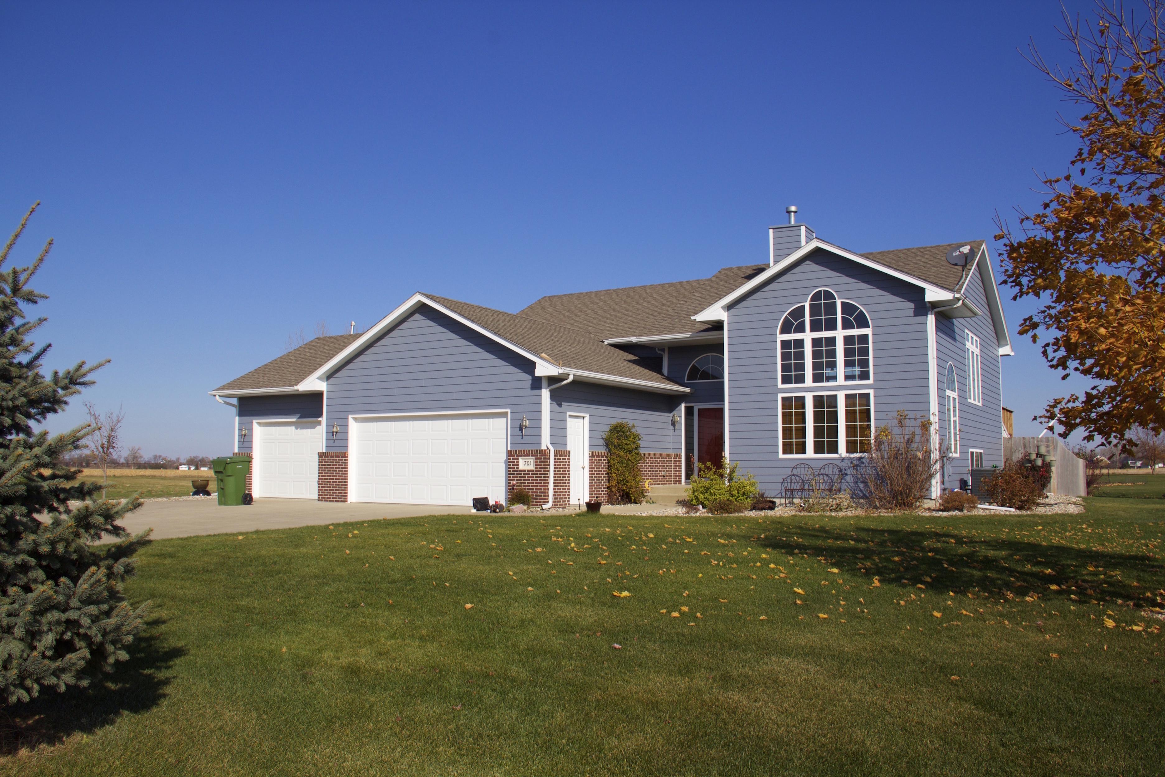 701 Red Cedar Court, Jefferson, South Dakota 57038