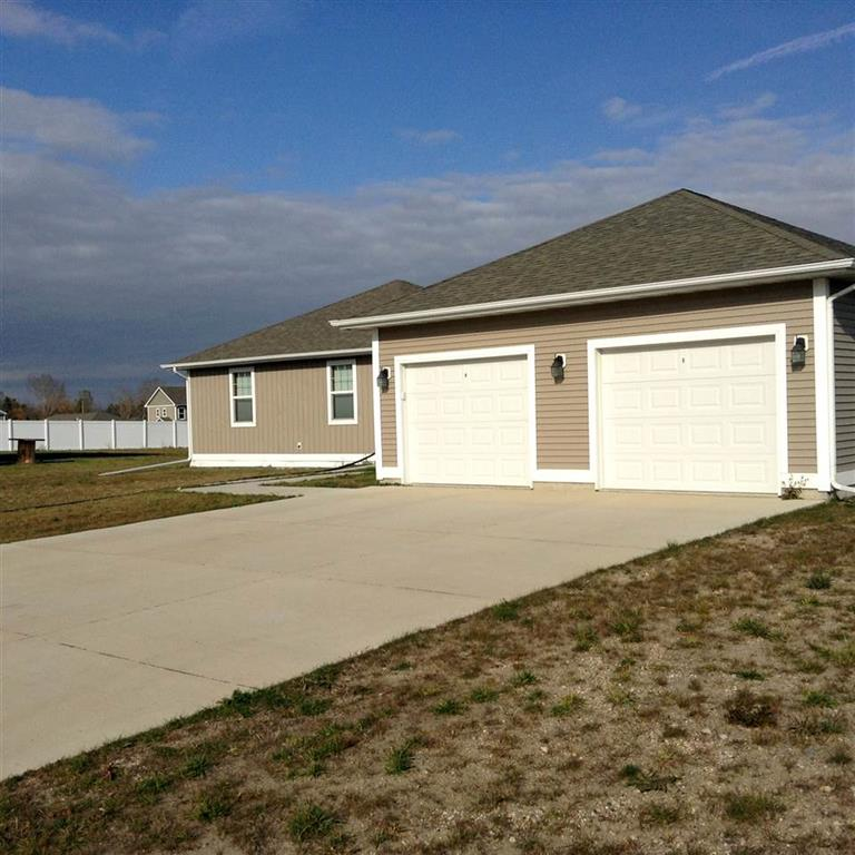 401 SE 10th Ave Circle Dr, Stanley, ND 58784
