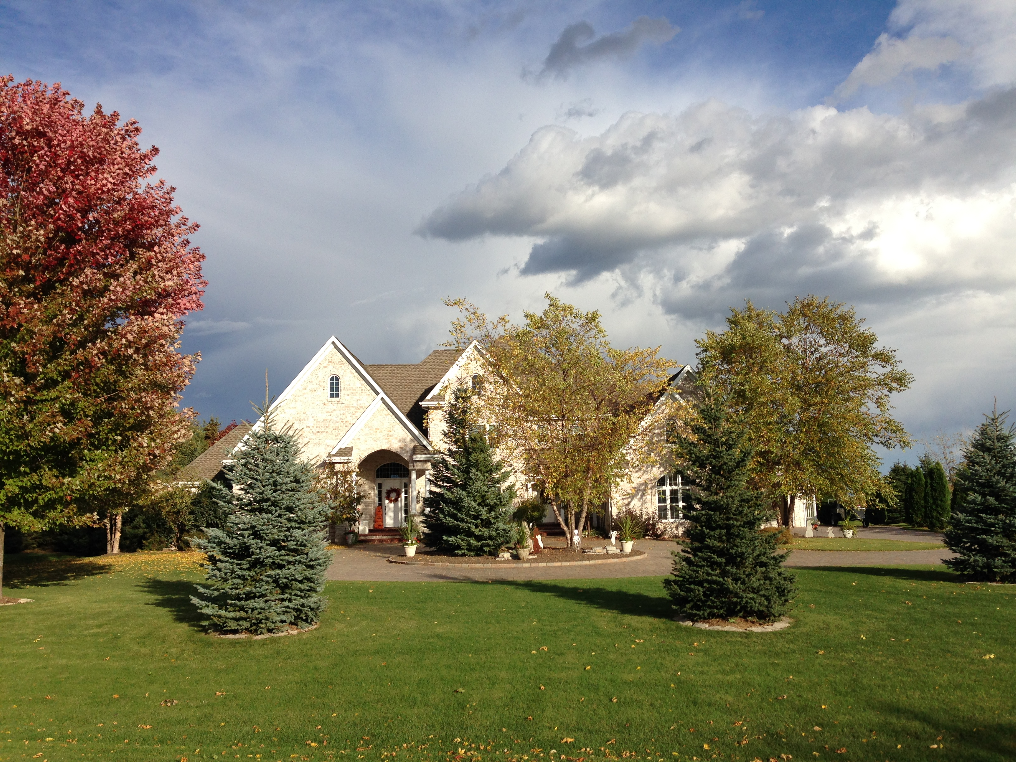 8214 Golf Course Dr, Neenah, Wisconsin 54956