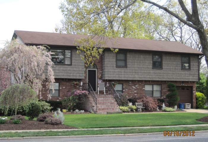 32 Prairie Drive, North Babylon, New York 11703