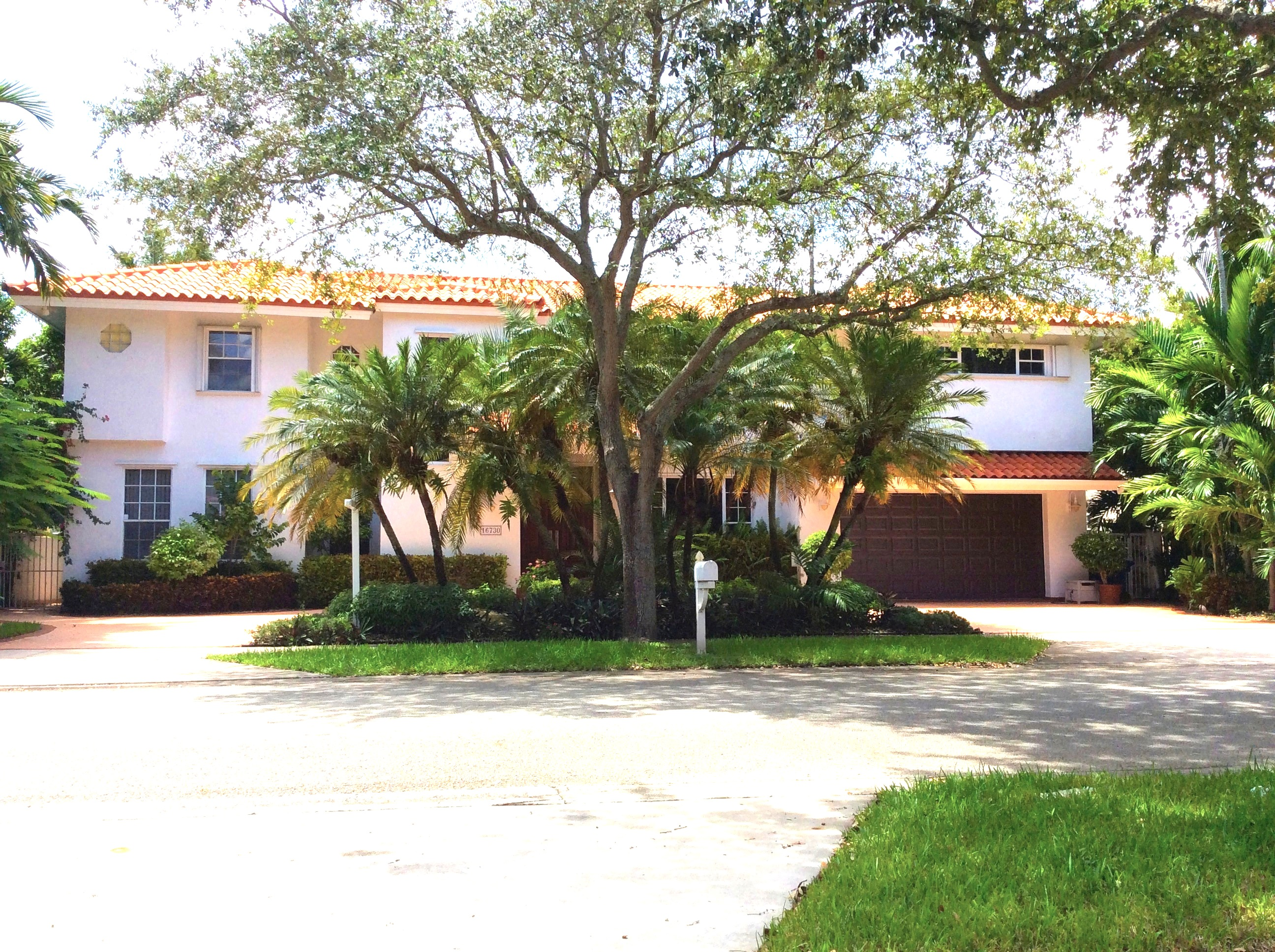 16730 NW 84 CT, Miami Lakes, Florida 33016