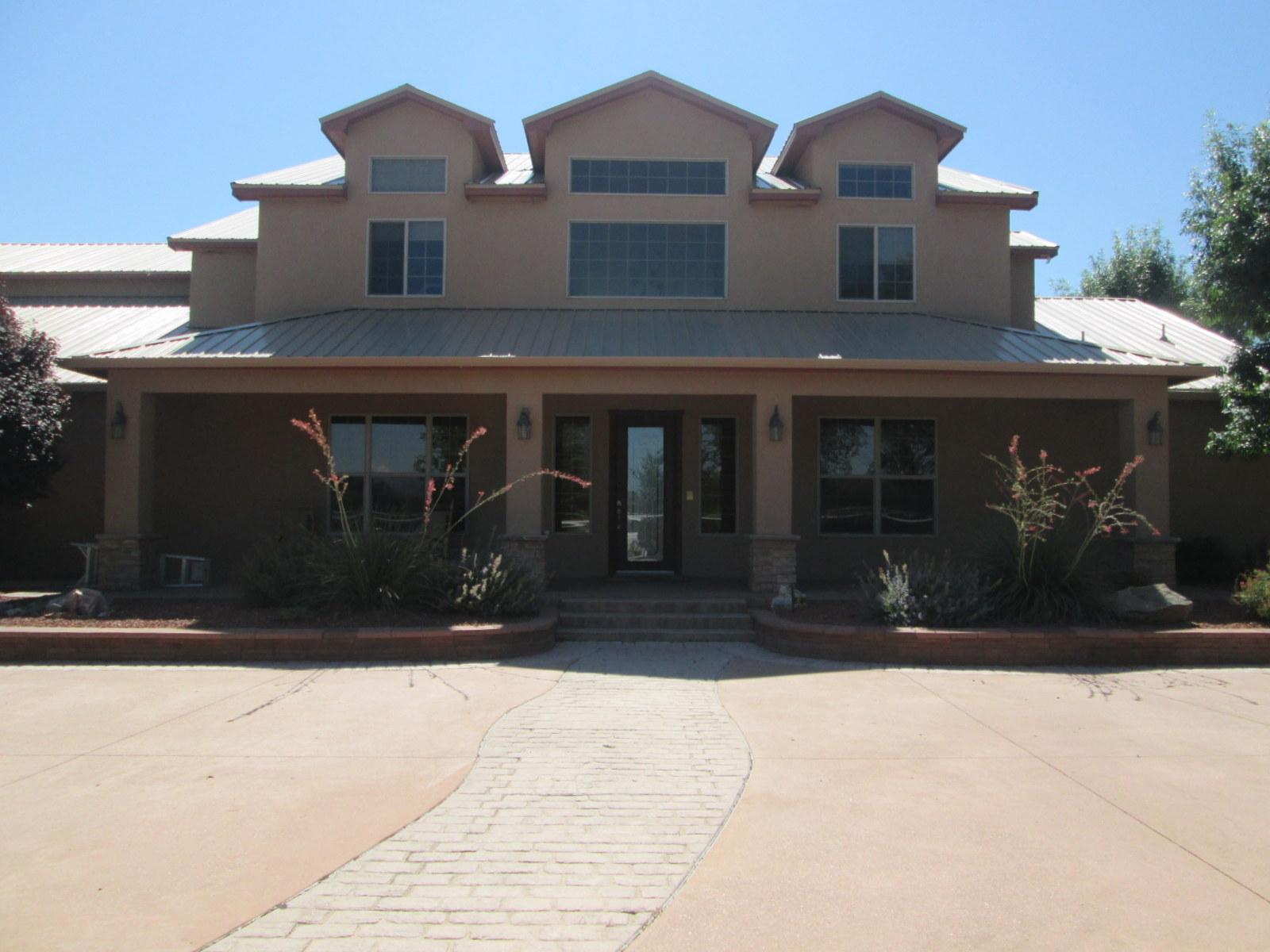 420 Garcia Lane, Bosque Farms, New Mexico 87068