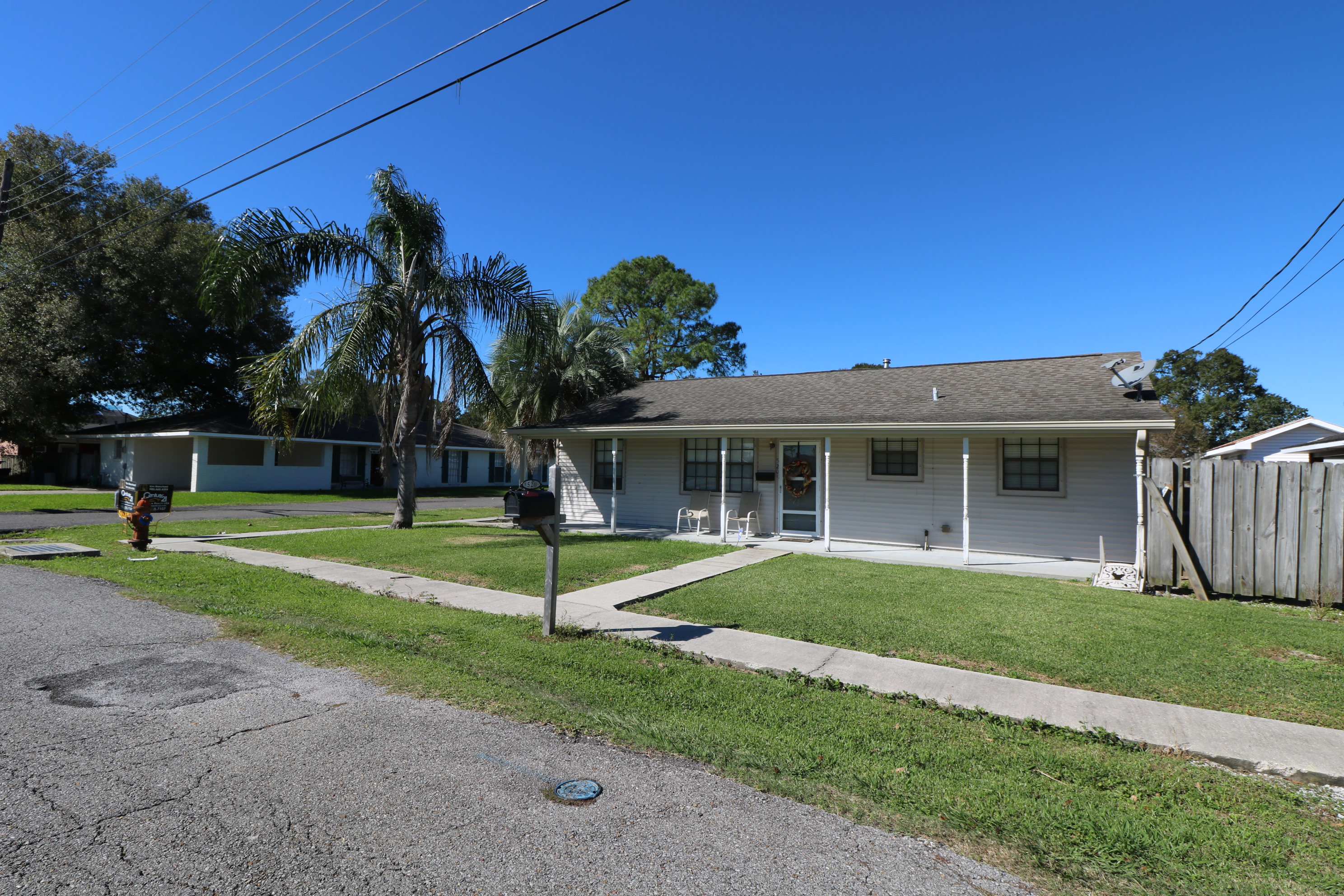 520 ELIZABETH STREET, Lockport, Louisiana 70374
