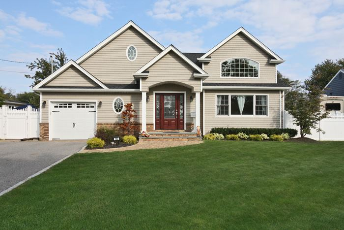 183 Secatogue Lane, West Islip, New York 11795
